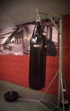 Стойка для боксерского мешка угловая