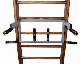 Турник-брусья на шведскую стенку c гнутым широким и узким хватом в положении брусьев - фронтально